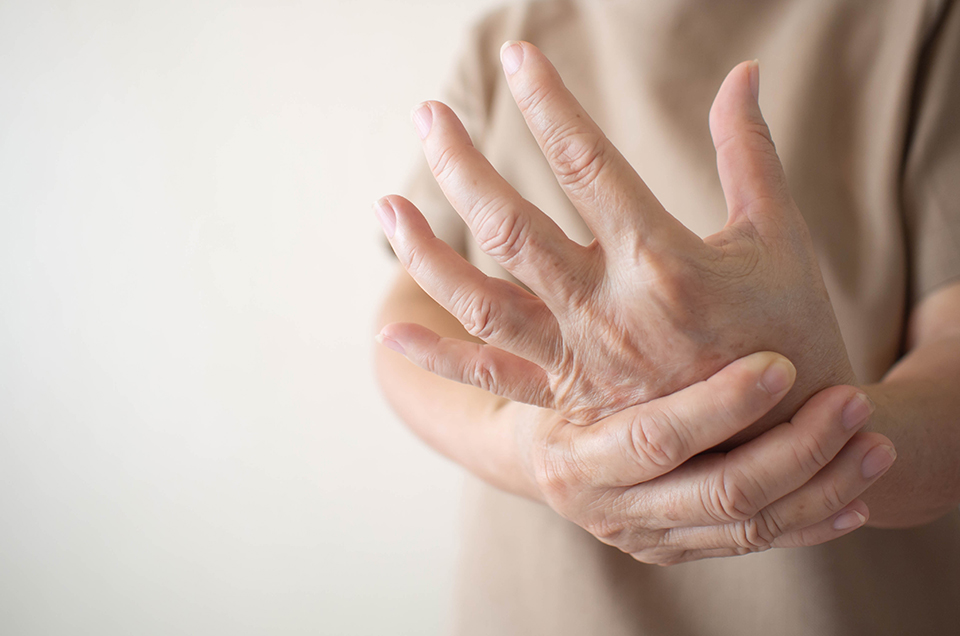 What are the possible causes of joint pain? Read here to know more