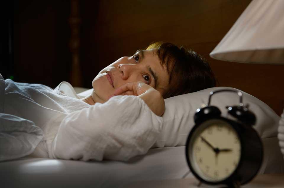 नींद और पसीना ना आने पर इन आयुर्वेदिक जड़ी-बूटियों का प्रयोग करें।