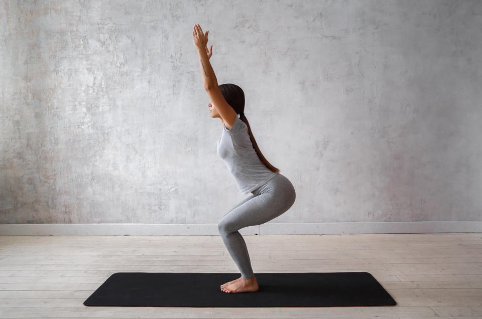 3 Yoga Asanas to Build Endurance & Stamina in Athletes