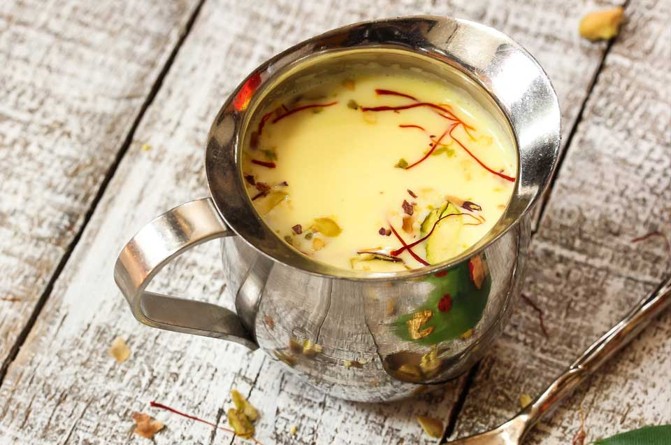 Kesar Chandan Thandai Recipe