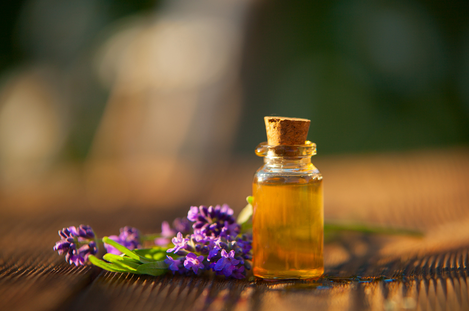 Essential Oils: The Natural Addition to Your Skin Care & Beauty Routine