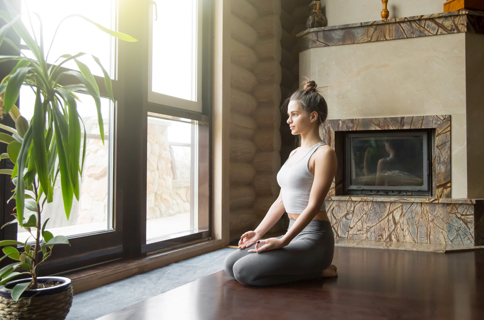 2 Yoga Asanas that Help People With Gallstones