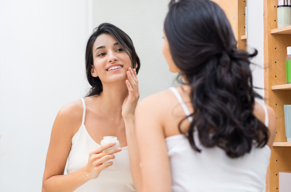 How to Maintain Beautiful, Glowing Skin - A Quick Guide for Women With PCOS