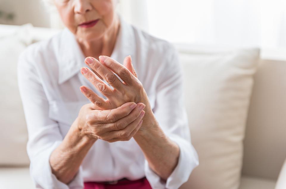 How Ayurveda Helps in Controlling Degenerative Arthritis