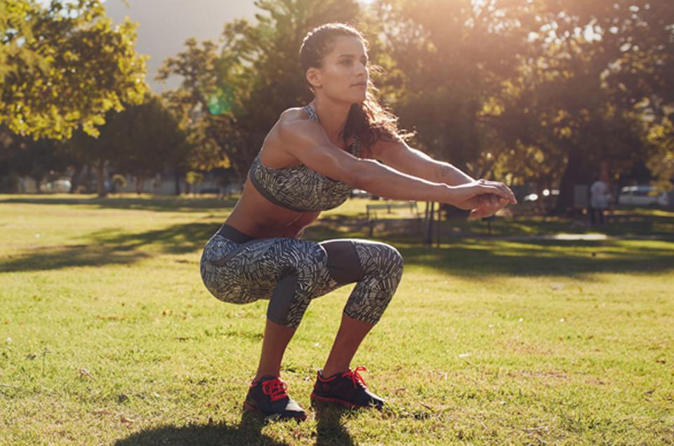 घुटनों के बल बैठकर मल त्याग करना क्यों सबसे अच्छा तरीका है, जाने इसके पाँच कारण।