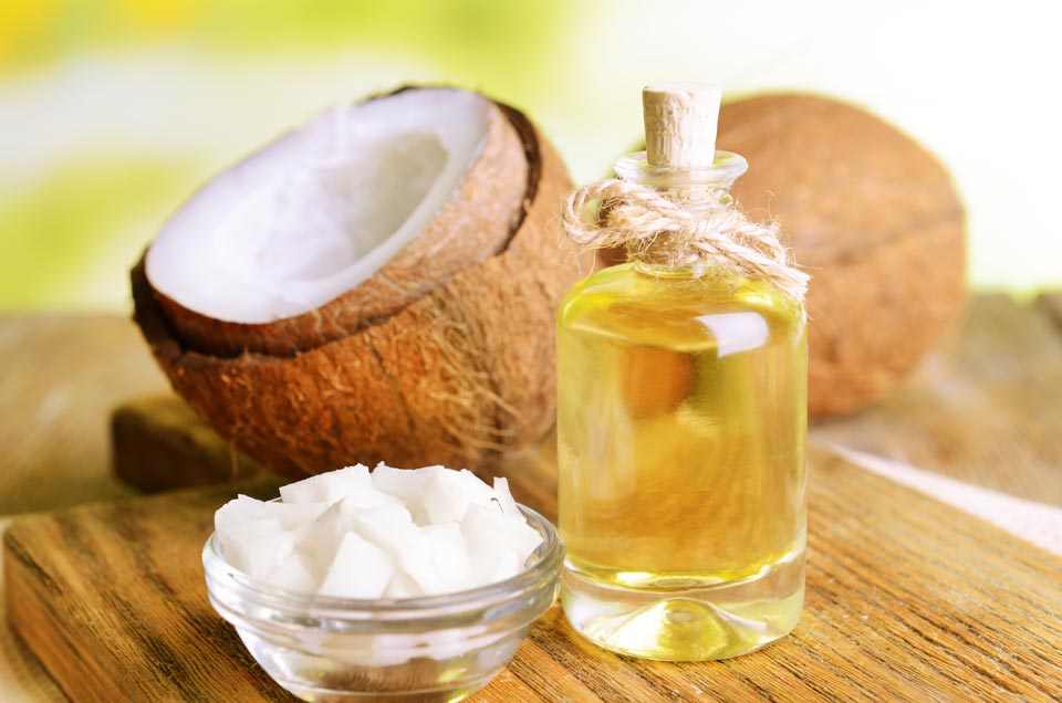 3 Ways How Coconut Oil Keeps Your Hair and Skin Beautiful