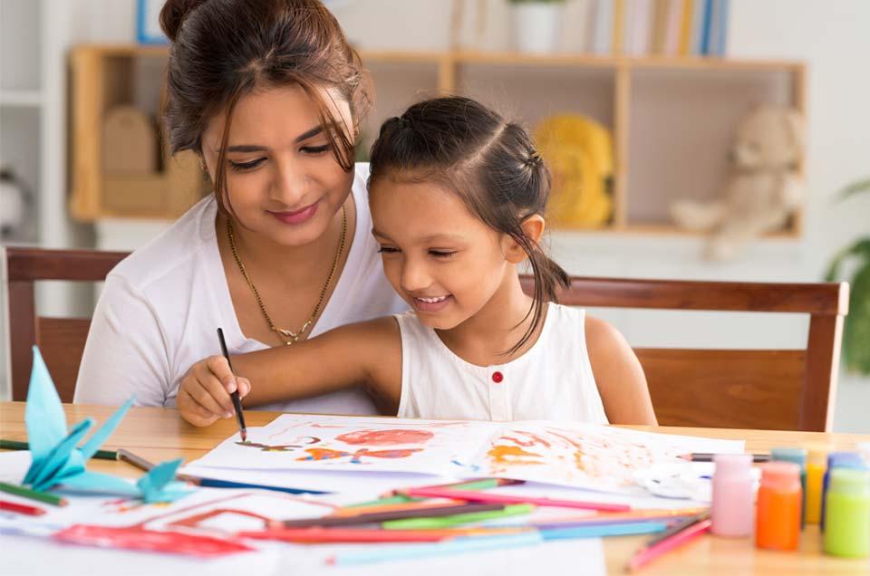 बच्चे की प्राकृतिक ऊर्जा को सही दिशा दें: गर्मियों की छुट्टियों को रचनात्मक बनाने के उपाय