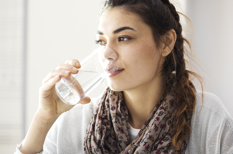 4 Reasons Why You Should Switch To Drinking Lukewarm Water Every Day