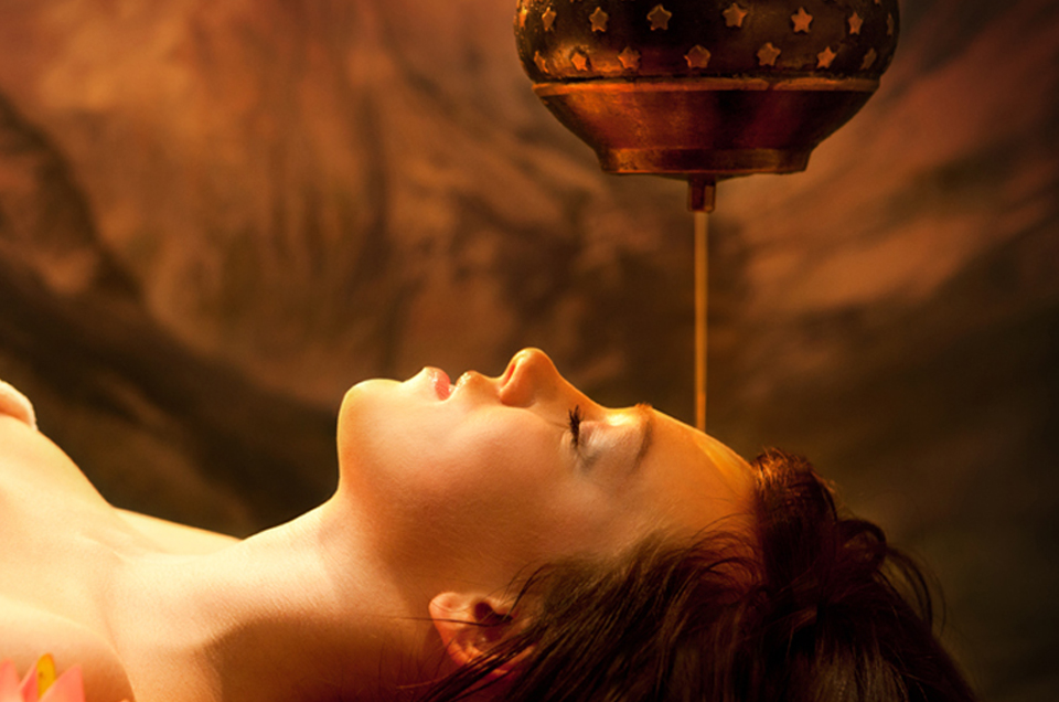 शिरोधारा  . मानसिक और शारीरिक तनाव से आराम